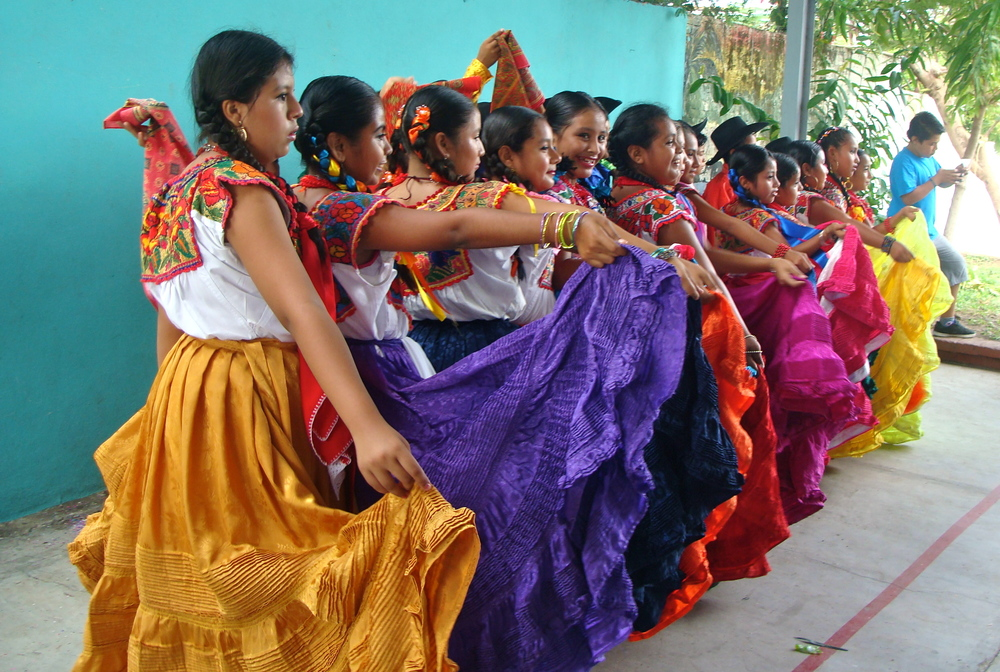 Experience the vibrant colors of Oaxacan art and culture