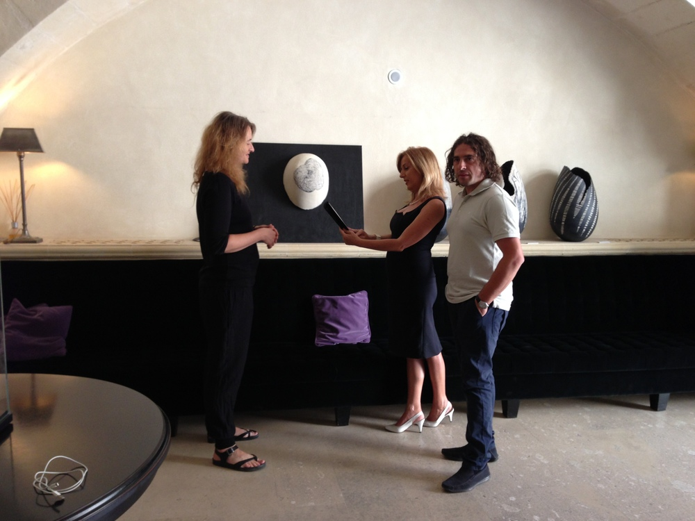 With Nicola Tocce, sculptor and curator of the exhibition, and Rosalba Stasola, press manager of Palazzo Gattini.