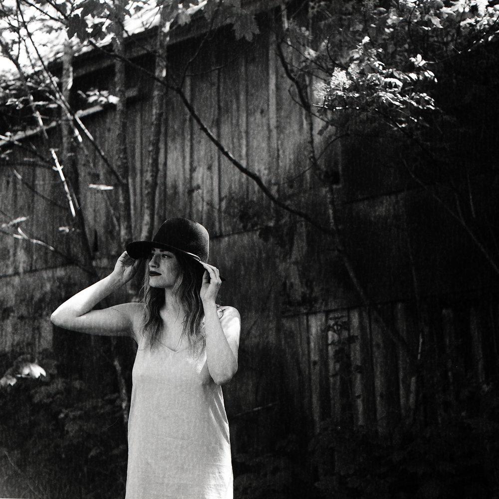 Model: Jana Nixon