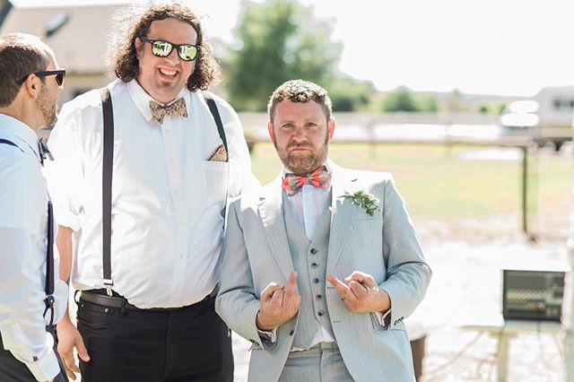 Punk rock even when all gussied up. These are the kind of photos you get when you shoot the wedding of an old college roommate/band mate. 😂🤘🏻