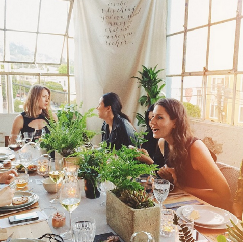 Some of the many lovely dinner guests! Photo by @emthegem.