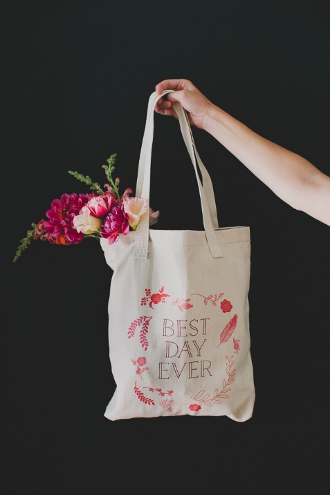 Your wedding will really be the best day ever with this customized tote. Image c/o Green Wedding Shoes.