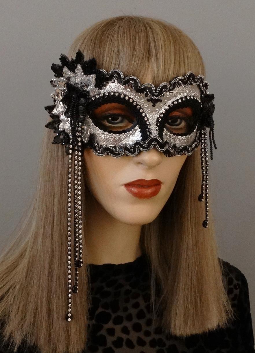 liza mask full.JPG