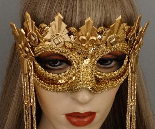glitter queen detail.JPG