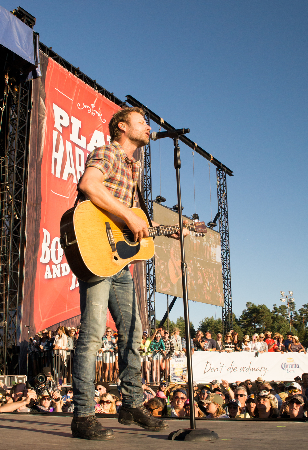 Dierks Bentley Website-10001-2.jpg