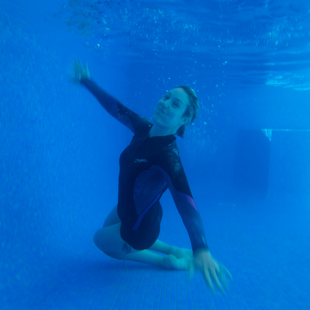Once again Kat is by my side supporting / assisting me...even underwater! xx