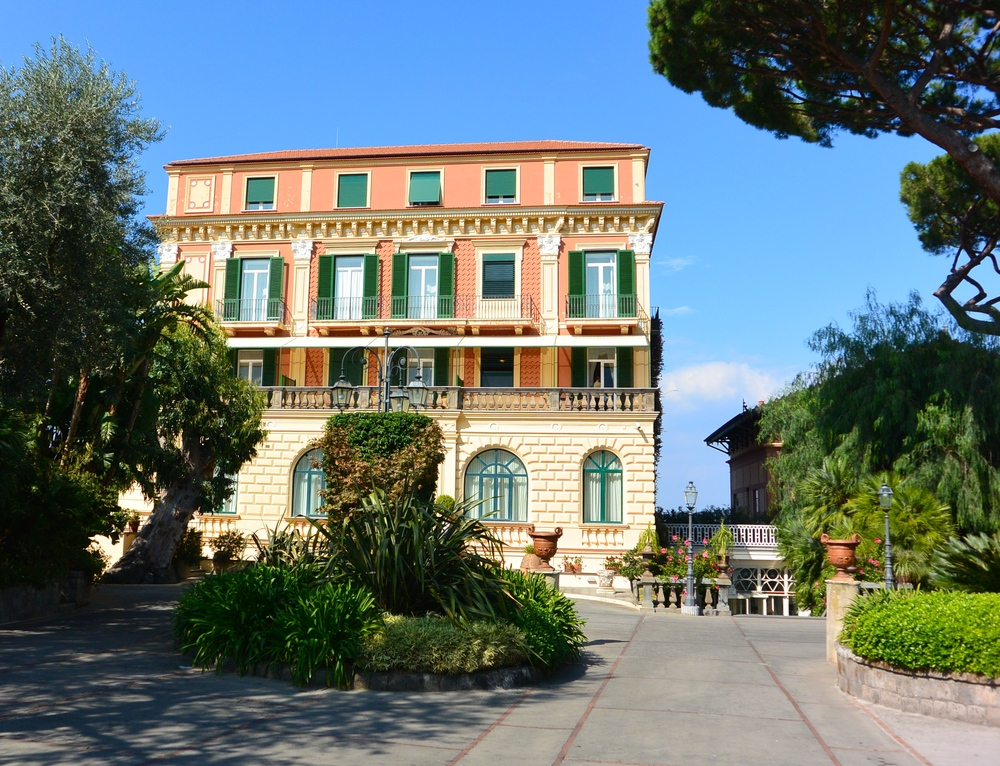 Grand Hotel Excelsior Vittoria Review