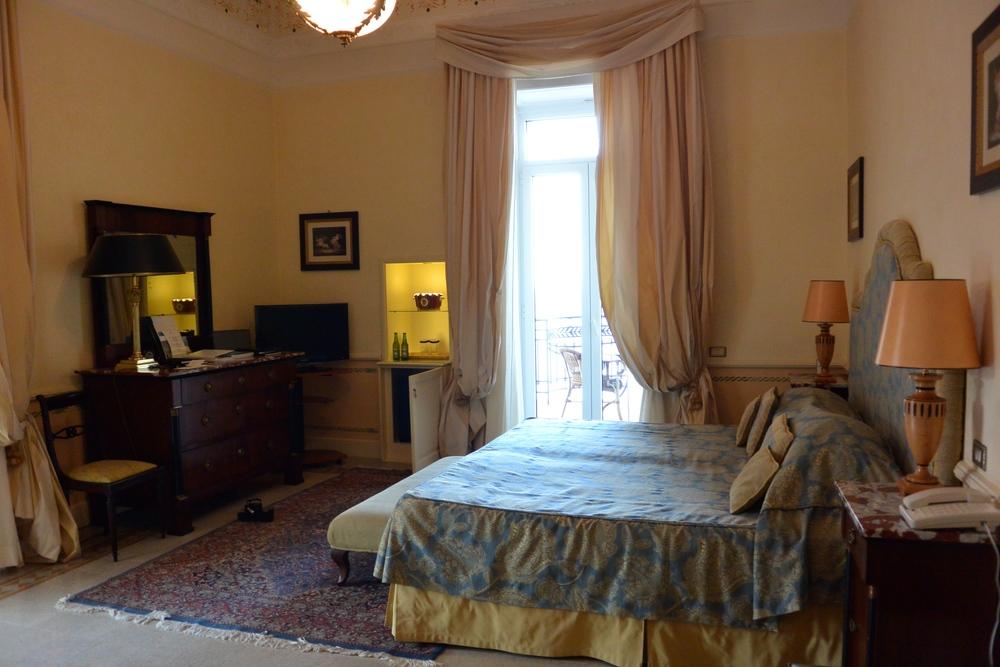 hotelexcelsiorvittoria.review