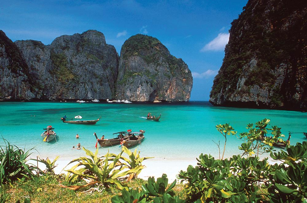 photo from:http://www.tat-la.com/files/Destinations/krabi/PhiPhiIsland.jpg