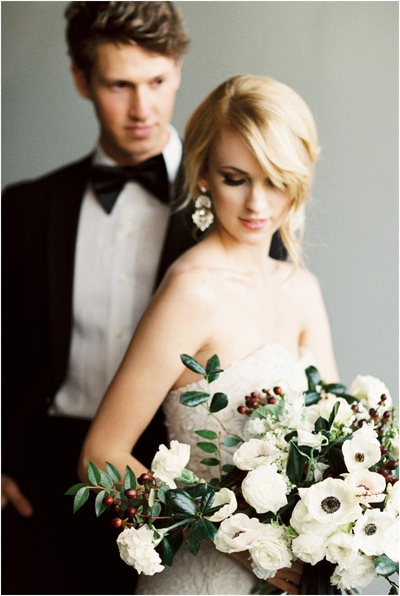 chic-black-and-white-wedding_009.jpg