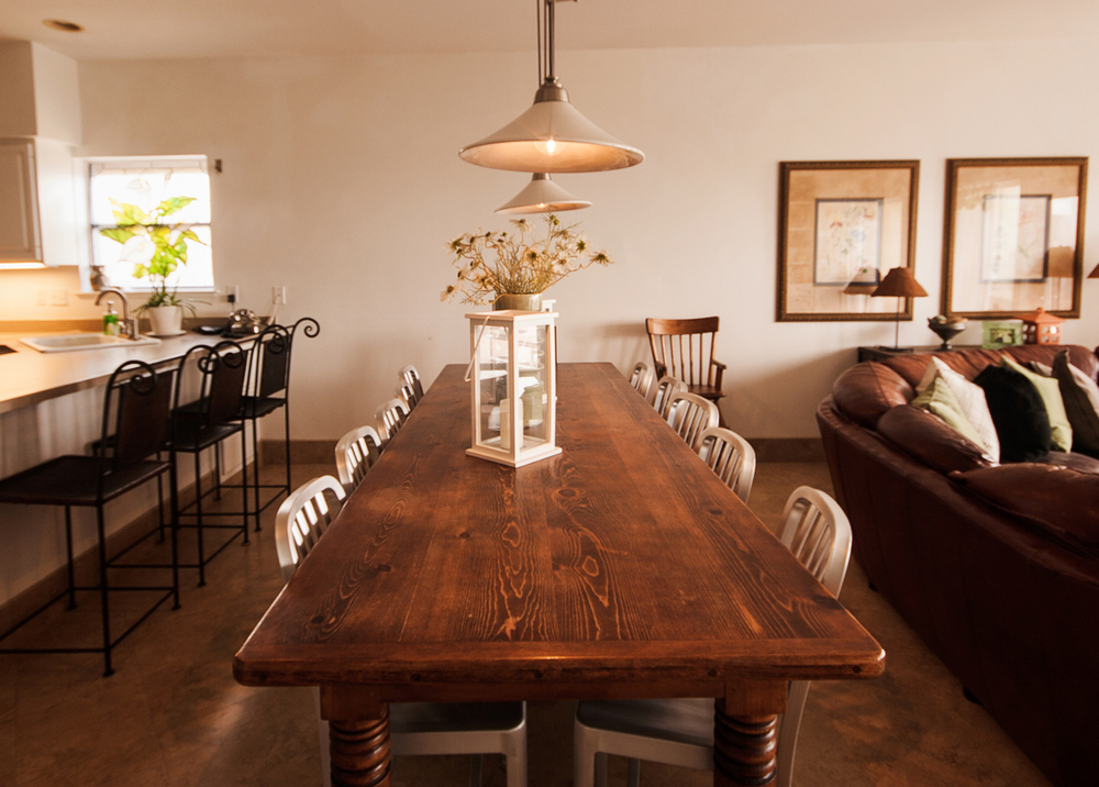 Familia-Dining-Room.jpg