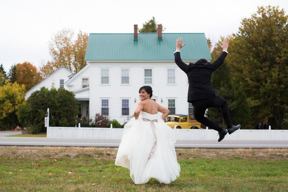 Wedding photos Coolidge Family Farm