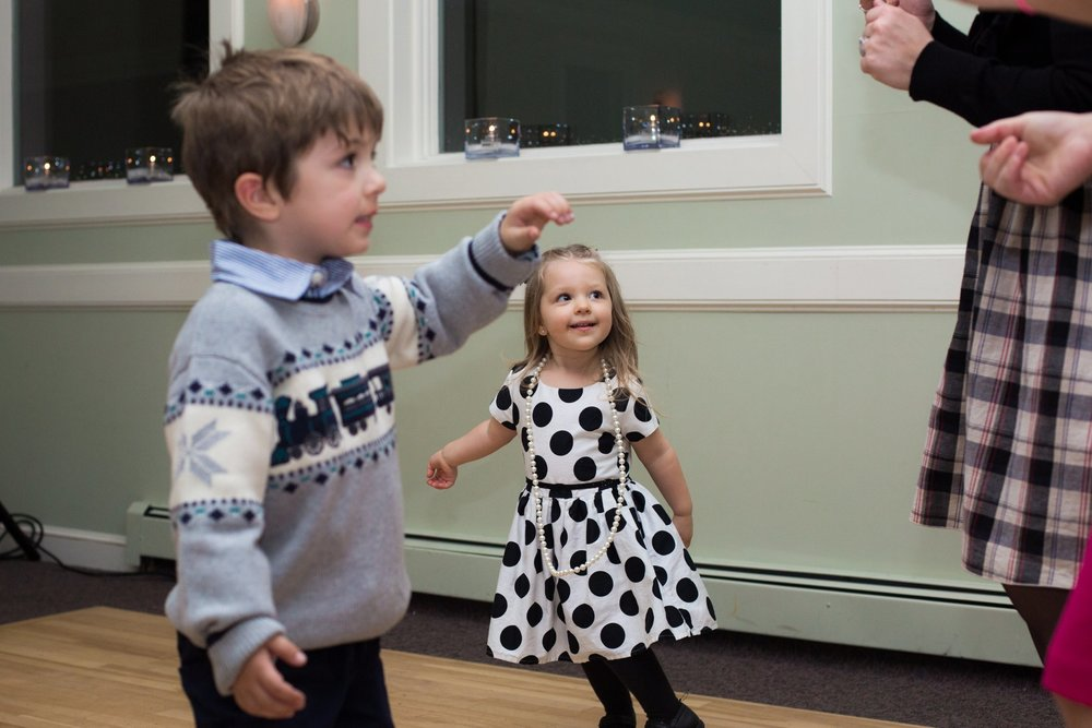 kids dancing at a wedding