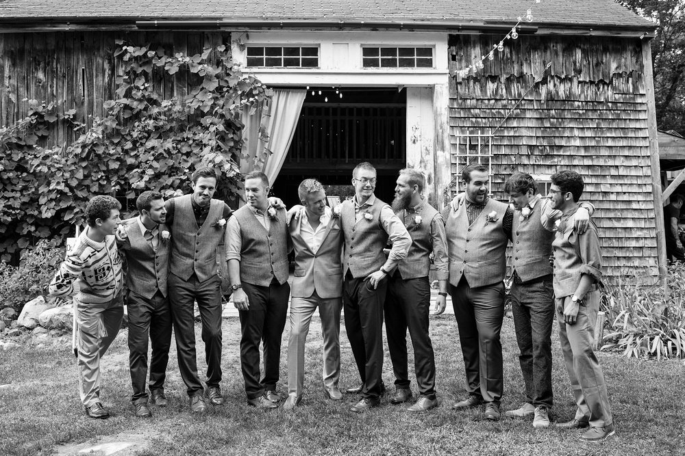 wedding barn groomsmen pictures