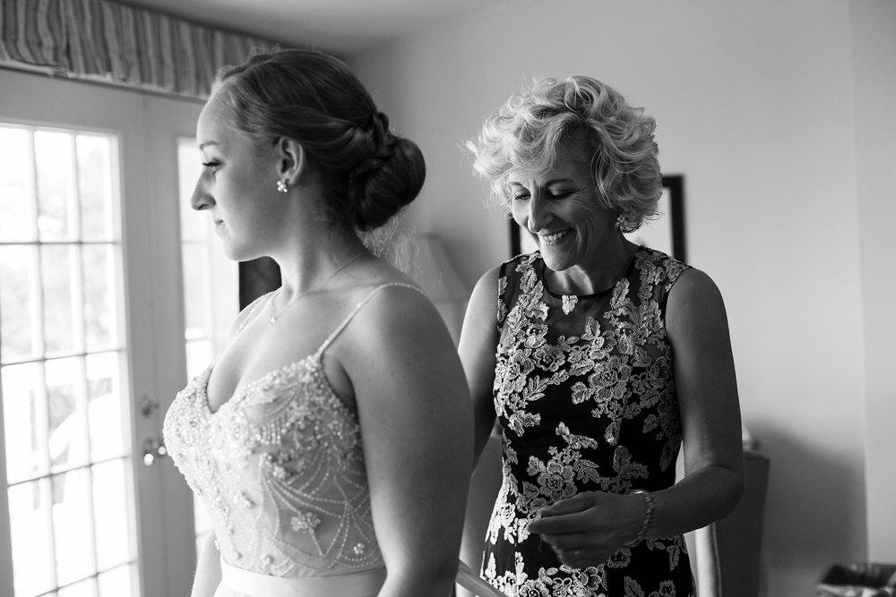 bride and mother en