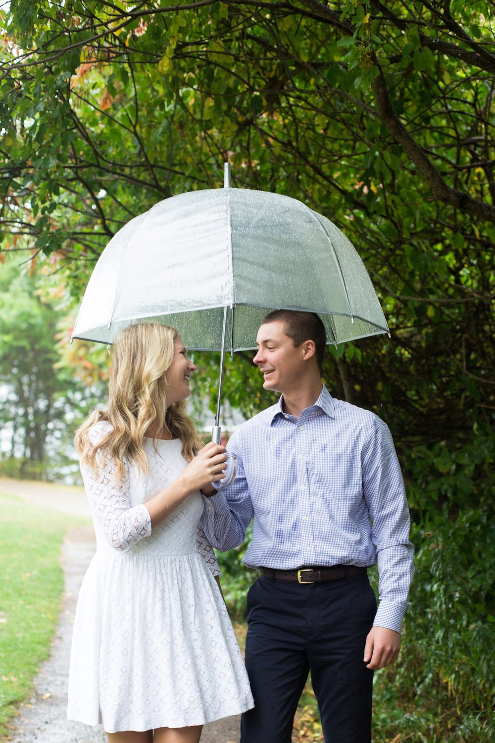 engagement photos taken in rain