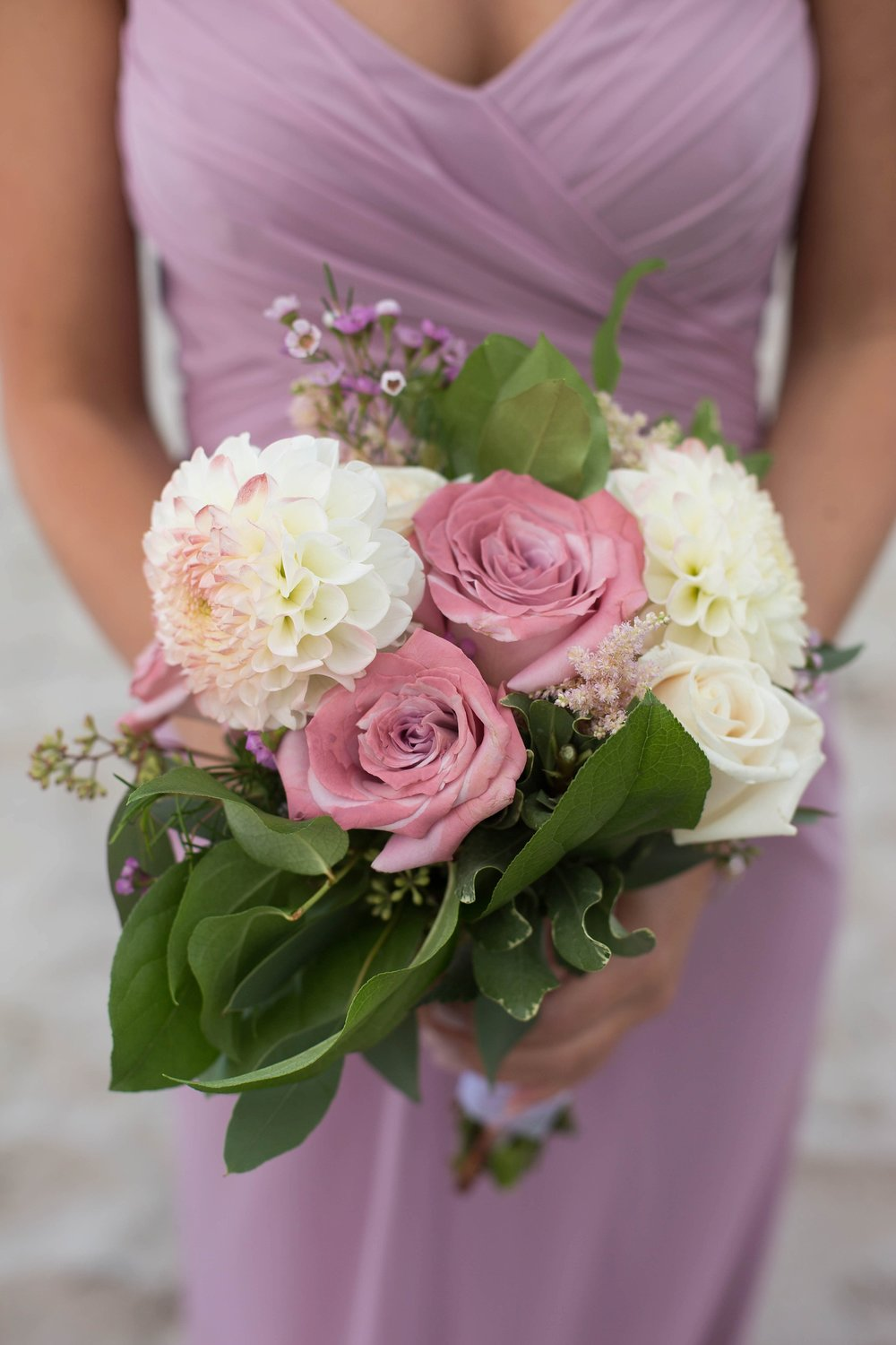 bridesmaid pink and white flowers