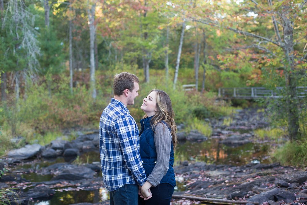 engagement photos by stream