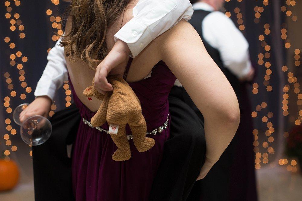 wedding teddy-bear-toss