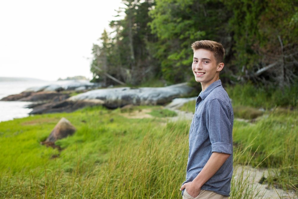 blue hill Maine senior photos