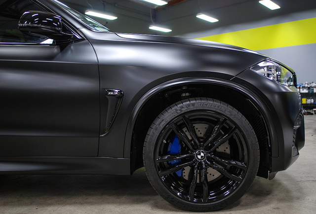 BMW X5M (MURDERED OUT...complete wrap/wheels/blackout ...