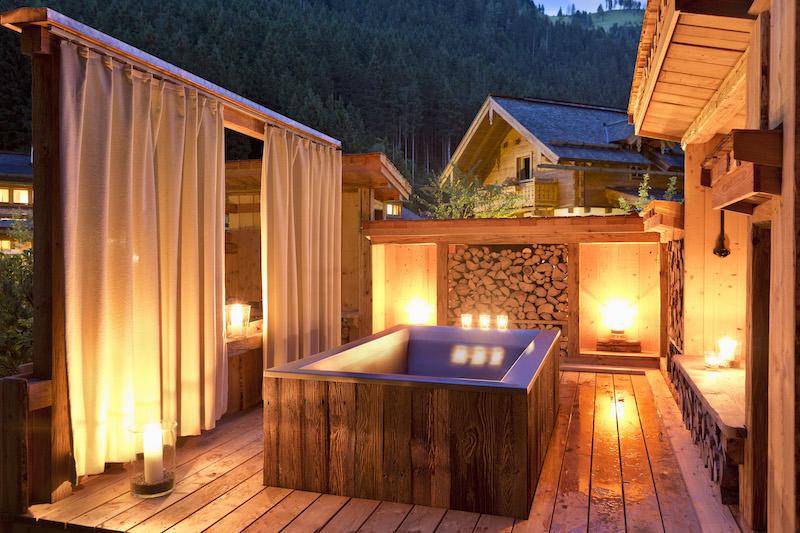 Garten-Badewanne des Chalets-Feriendorf Holzleb'n-Grossarl (17).jpg