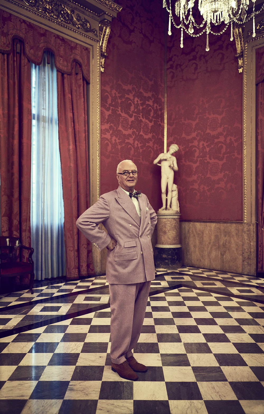 Manolo Blahnik,  best shoemaker in the world.   Client:  SModa/ EL PAIS Magazine   Location:  Llotja de Mar, Barcelona.