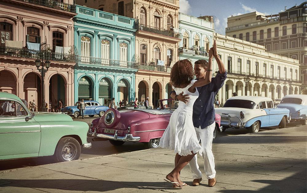 Client:  AEROMEXICO   Agency:  Ogilvy ( México)  Worldwide campaign for the 1st. Mexican airline  Havana, Cuba.   Production:  Oxígeno ( Barcelona).