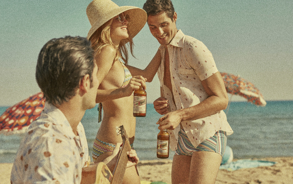 Client:  SAN MIGUEL   Agency:  SCPF Barcelona.  Recreation of a 70's scene with the original bottle at that time.