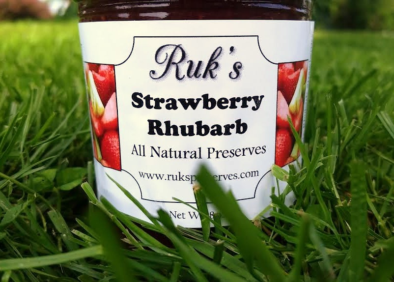 8 oz. Jar                                                     (May - July)    Strawberries and Rhubarb are a classic flavor combination and the perfect balance of sweet strawberries and tart rhubarb.     Ingredients: Rhubarb, Strawberries, Pectin, Organic Lemon Juice