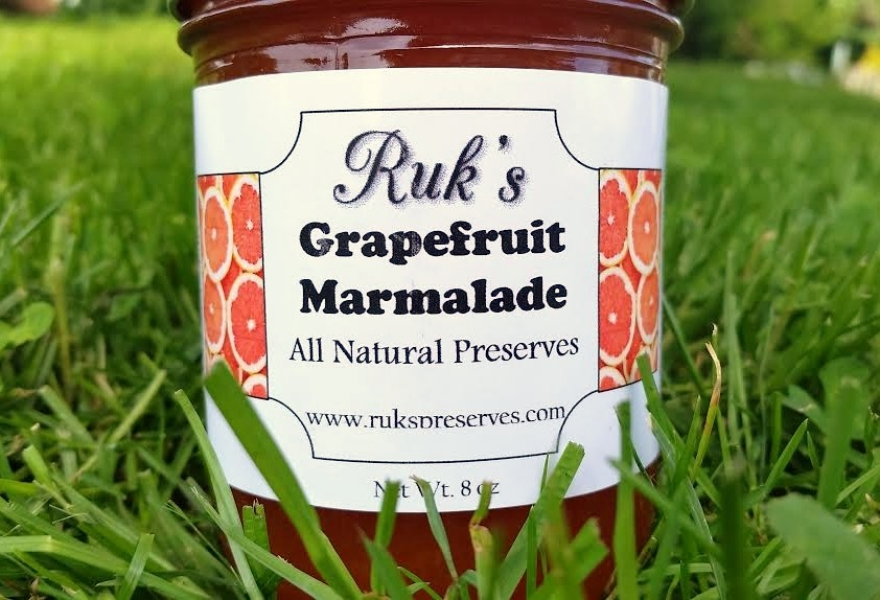 8   oz. Jar                                              (January-December)    Grapefruit Marmalade holds all the sweet and tart flavors of a fresh ruby red grapefruit. This marmalade is great on toast for breakfast or on a scone with afternoon tea.    Ingredients: Grapefruit, Sugar, Pectin