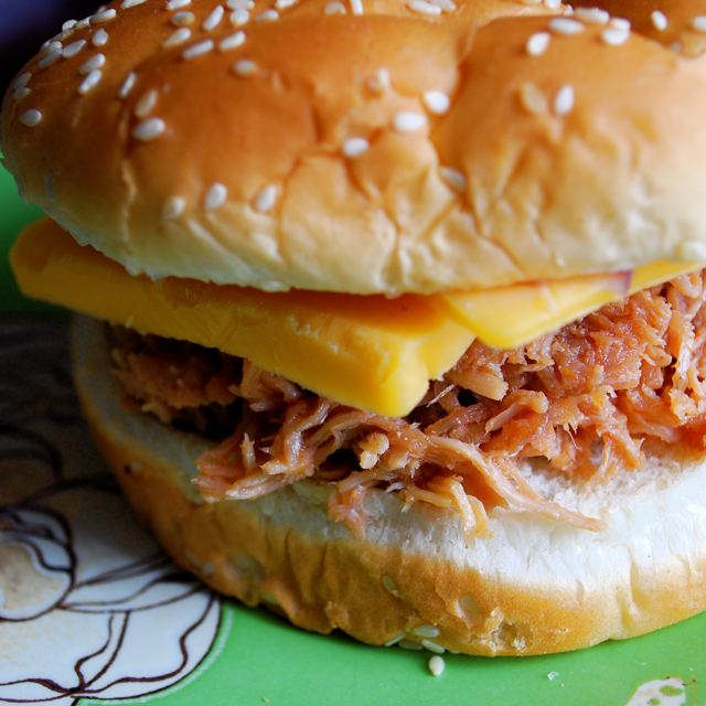 Simple Pulled Pork Sandwiches & Homemade BBQ Sauce