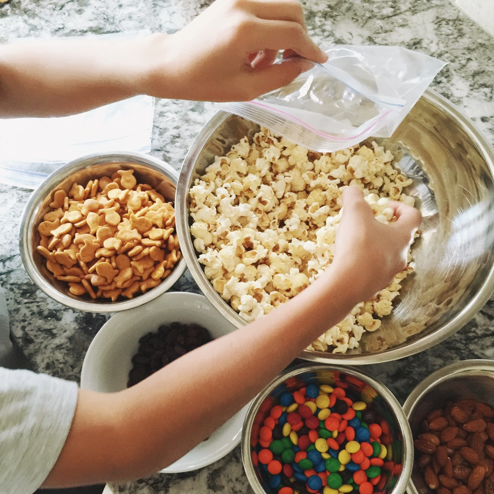 Kids In The Kitchen {Goldfish® Trailmix + $100 Visa Gift Card Giveaway}