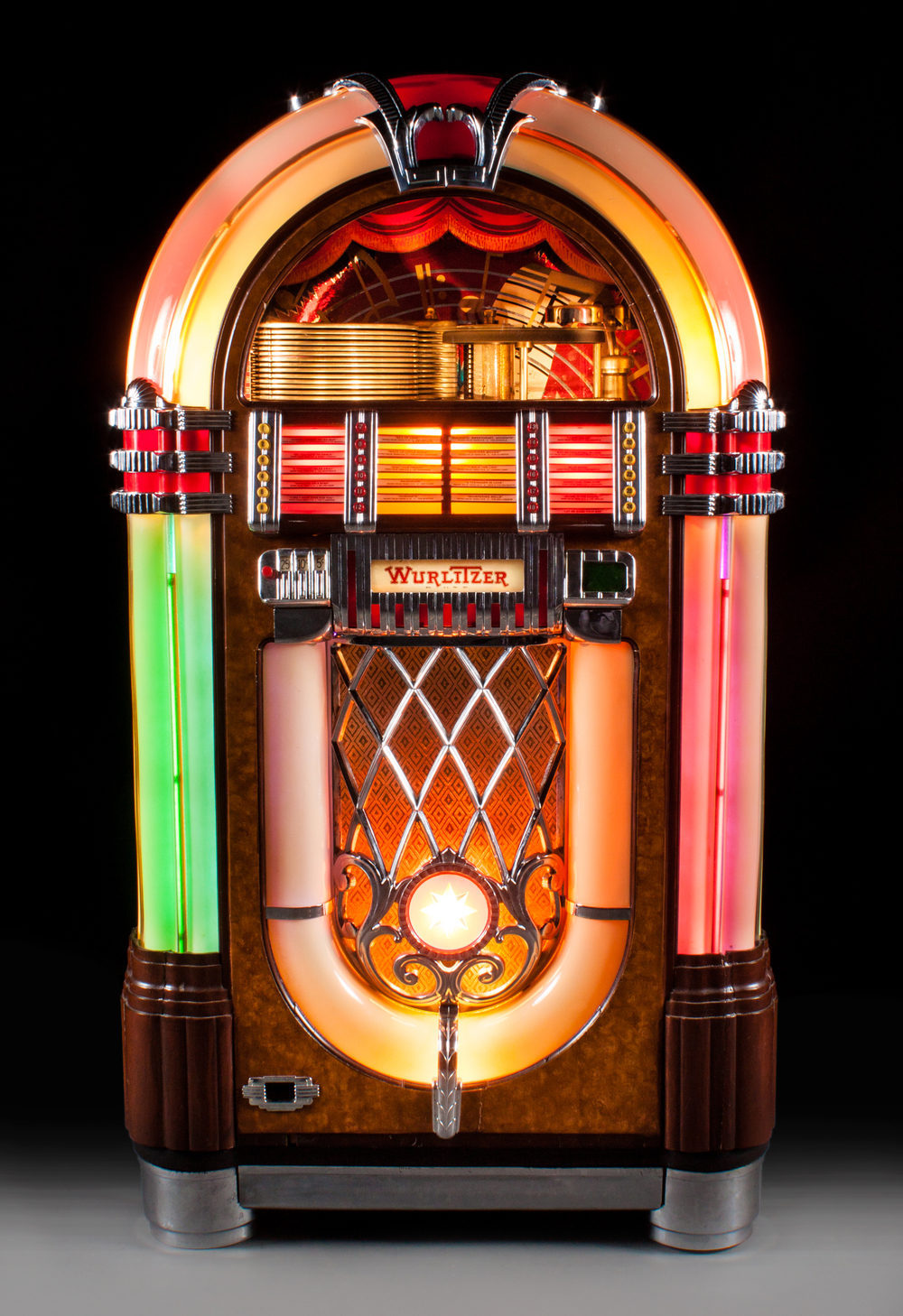 Wurlitzer Model 1015 Juke Box
