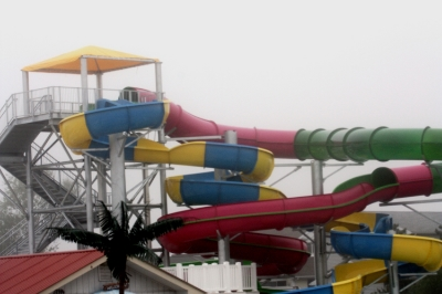 Kids play all day at the Thunder Lagoon Waterpark on coastal highway and RT 54.