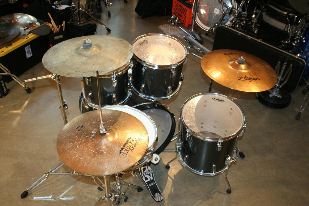 5-piece-tama-swingstar-starter-drums-zildjian-cymbals-2.JPG