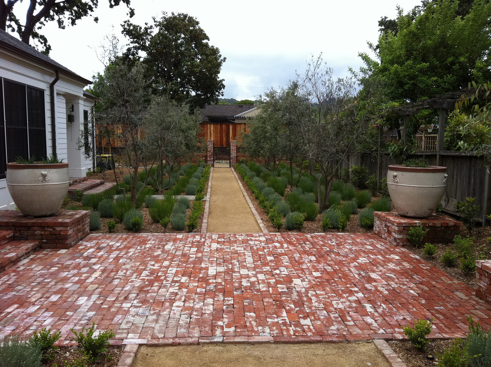 STONE PATHS & BRICKWORK
