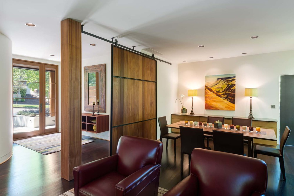 West Hills Modern_Interior_dining.jpg