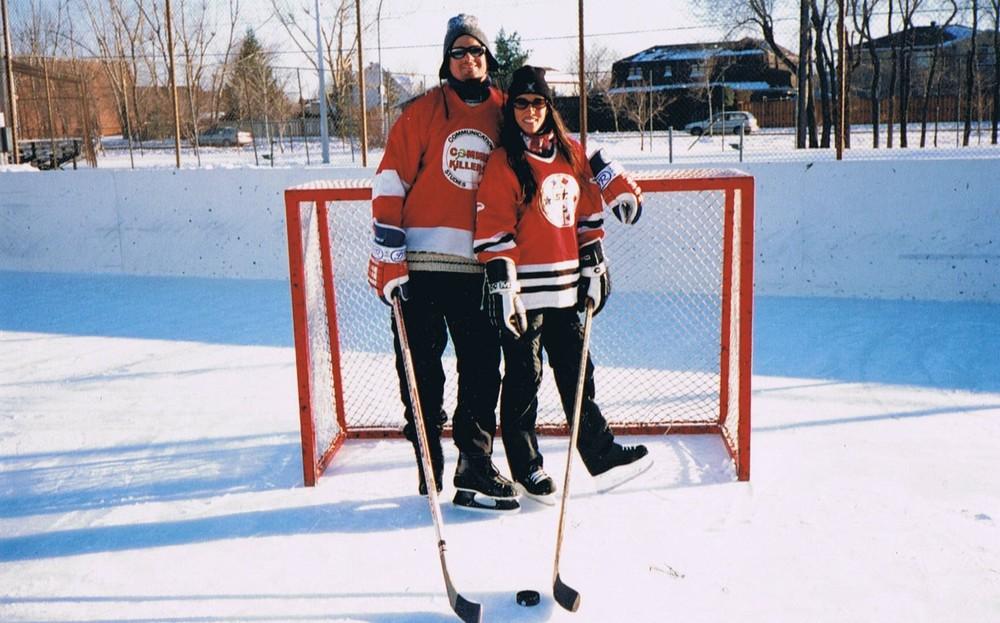 Une blonde qui joue au hockey.......ça n'a pas de prix !