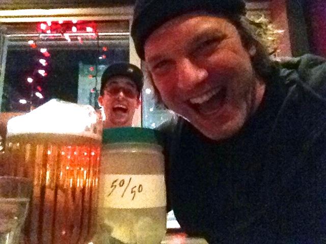«Selfie» avec Martin Jacques-Aubert à La Cabane, juste après avoir remporté le magot...Encore !!!  (photo par Larry)