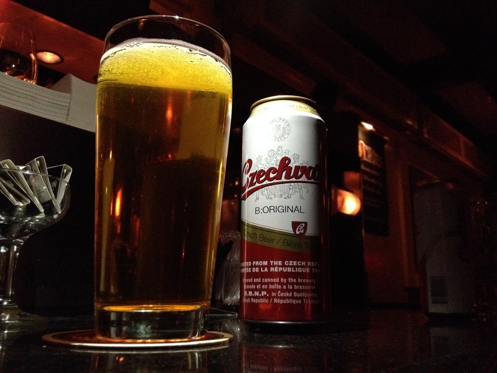 Une tite frette au Bily Kun, une bière Czech pas pire pantoute...
