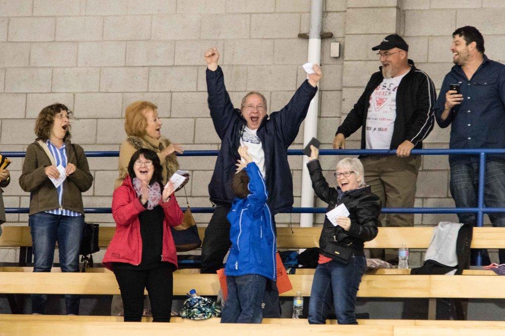 Alain chaiilier, notre grand gagnants d'une paire de billet pour aller voir le canadien en octobre prochain (photo joseph fleming)