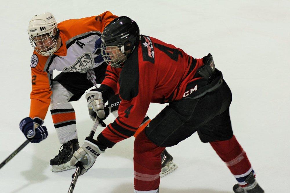 les simwell torpedoes feront face aux pro-jet 2011 rhinos lors de la demi-finale et match de championnat de division de montreal dimanche prochain à l'aréna du collège notre-dame. (image d'archive)