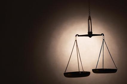 balance_justice_jugement_fraude_425.jpg