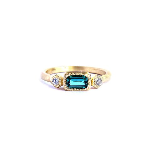 18k Gold Colombian Emerald & Diamond Celebration Ring — Quercus