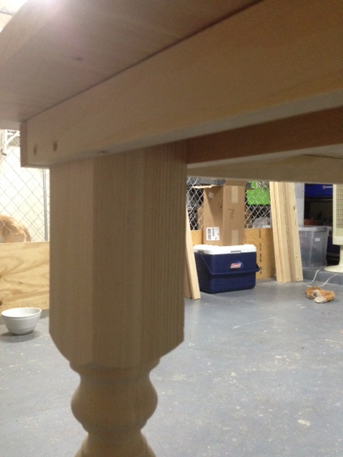 Picture showing how I attached the legs to the table frame.