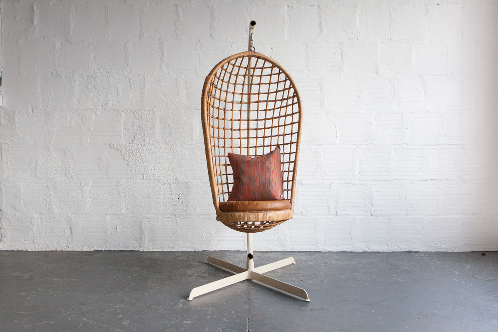 Hanging_Cage_Chair-5.jpg