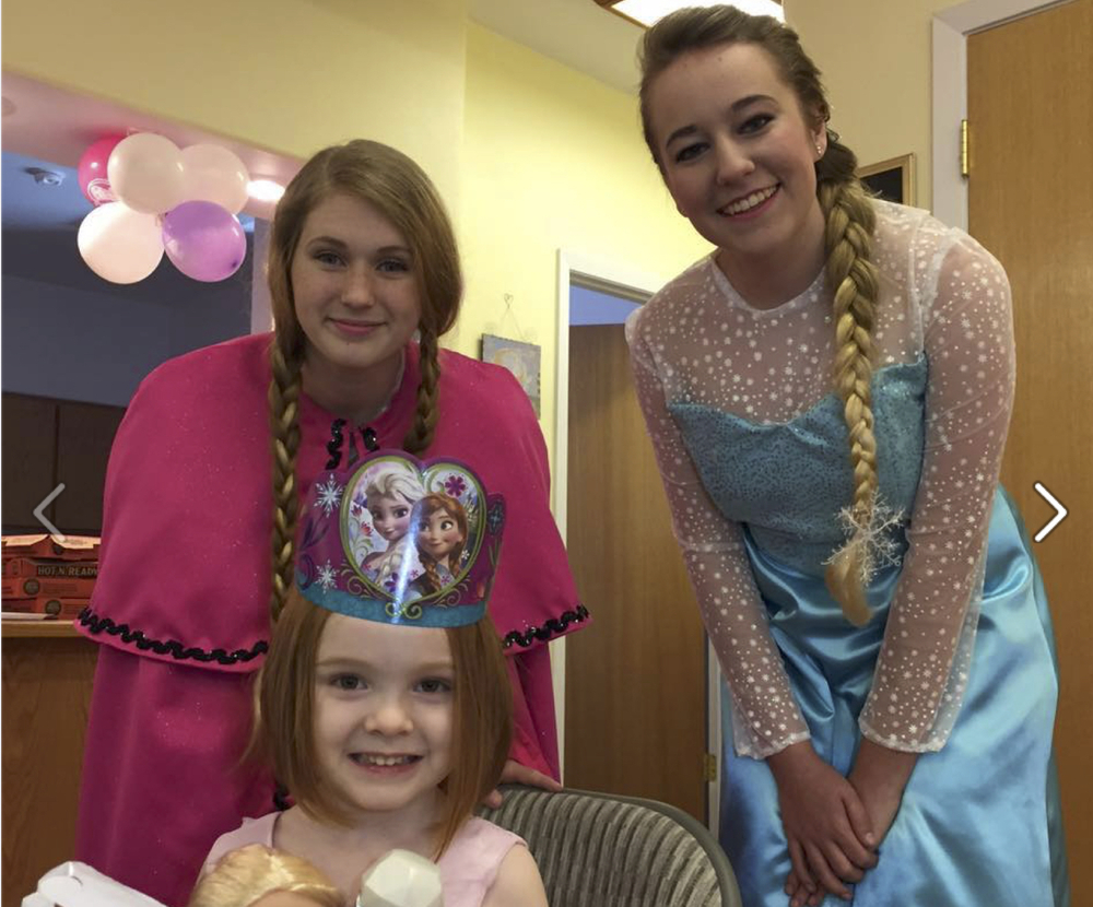 Princess Anna and Elsa both came to celebrate Shayla's birthday!