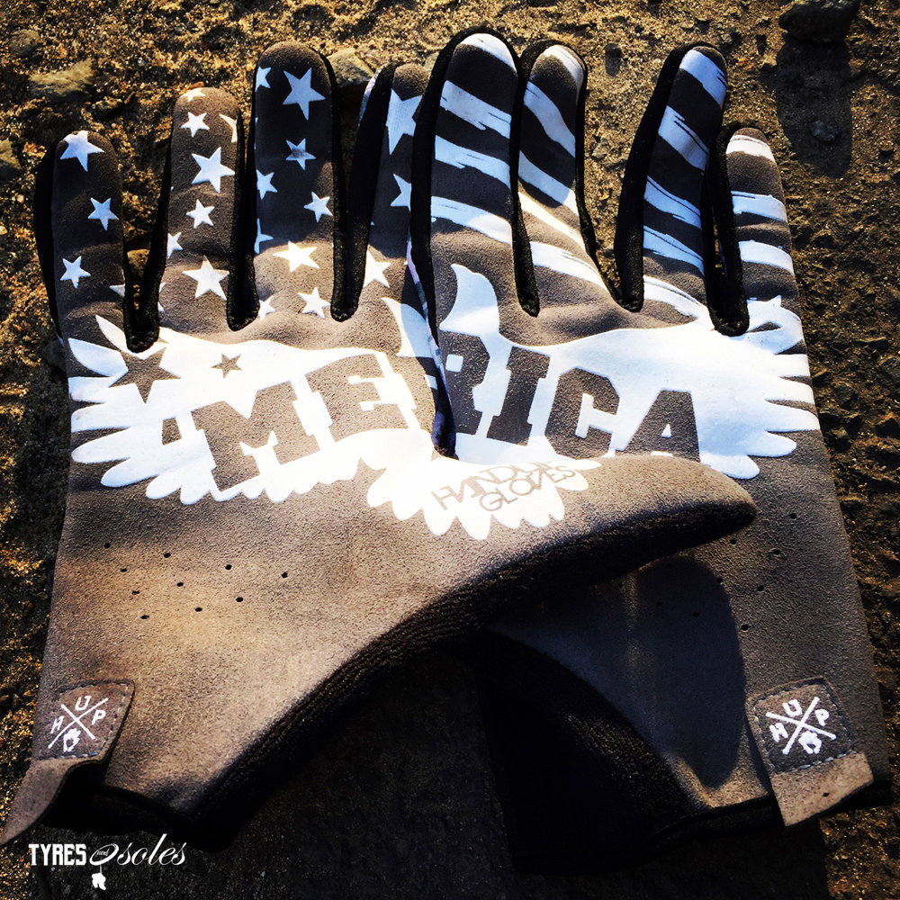 HANDUP GLOVES…MERICA..F*&K YEAH! Pic: ©Jason Lorch