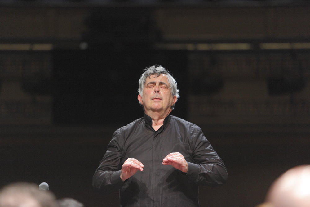 Artistic Director and conductor lorenzo muti in action
